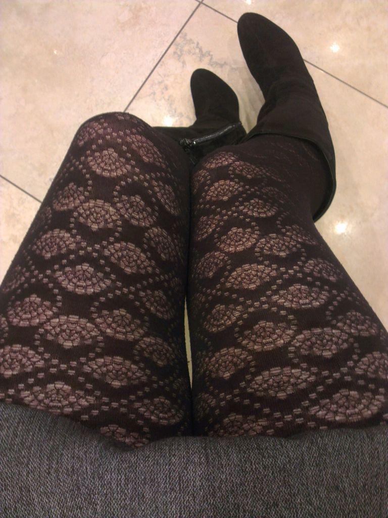 Shell Design Tights in Black